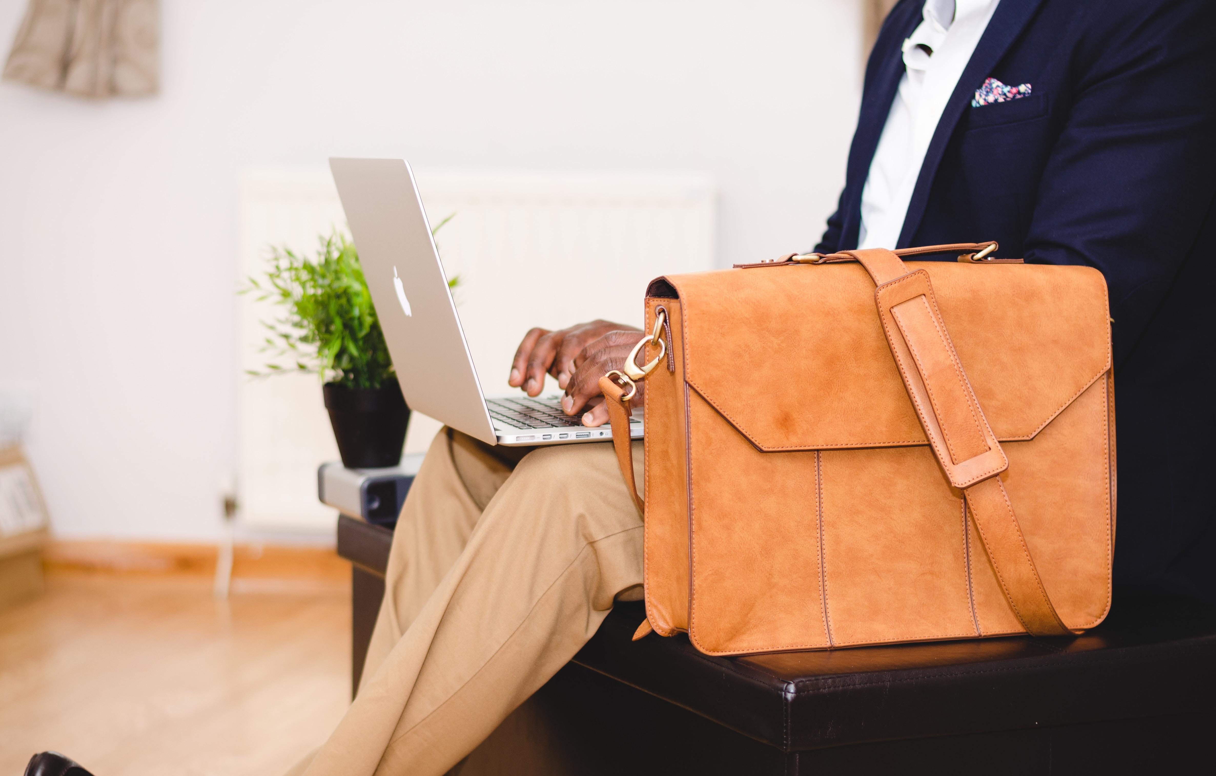 Jak znaleźć pierwszą pracę?
